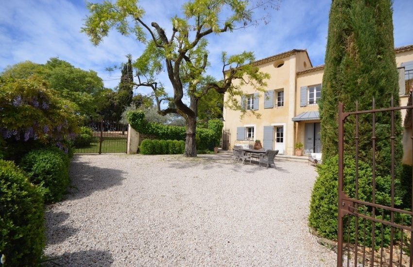 18C farmstead Provence Vaucluse